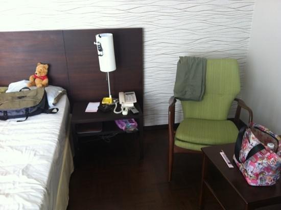 Baan Silom Soi 3: bedside.
