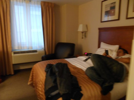 Candlewood Suites New York City Times Square:                   bed