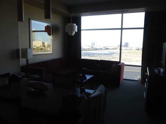 Staybridge Suites Las Vegas :                   Living Room