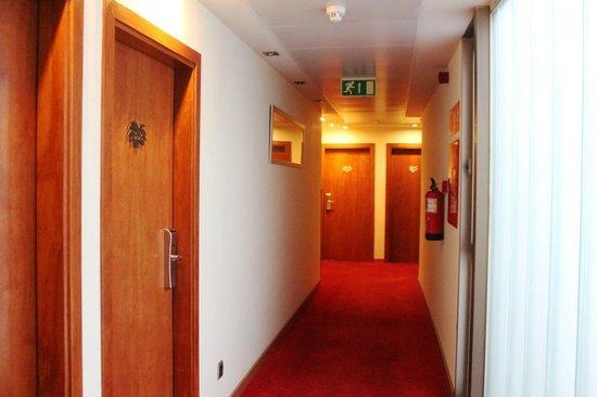 Abba Rambla Hotel: Corridor