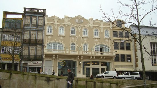Moov Hotel Porto Centro:                   vue exterieure de l'hotel                 