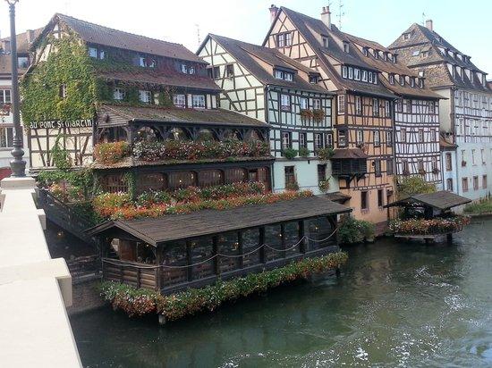 Hotel Le Bouclier d'Or :                   walk along the canal
