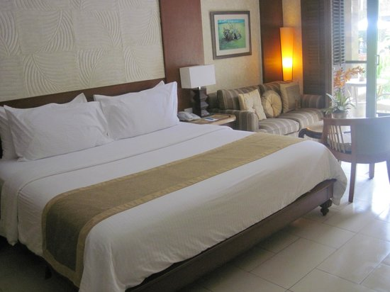 Henann Regency Resort & Spa:                   King size bed room with swimming pool access