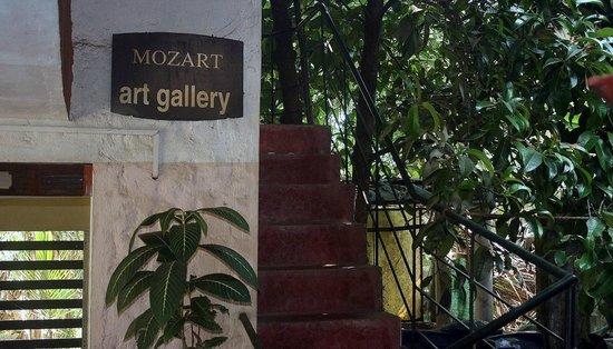 Kottayam, Indien: Mozart Art Gallery entrance
