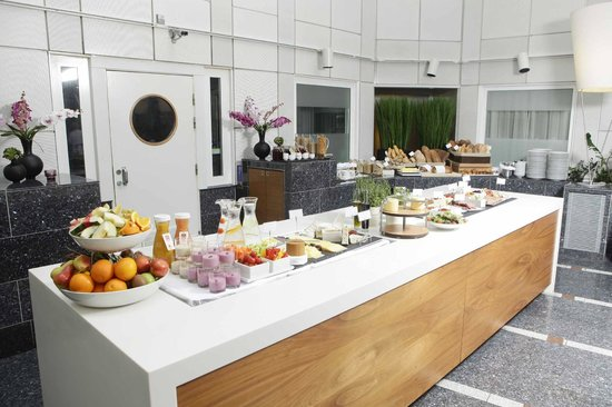 Thon Hotel Cecil Breakfast Buffet