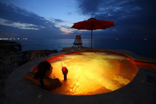Hotel B Cozumel:                   Jacuzzi, Sunset