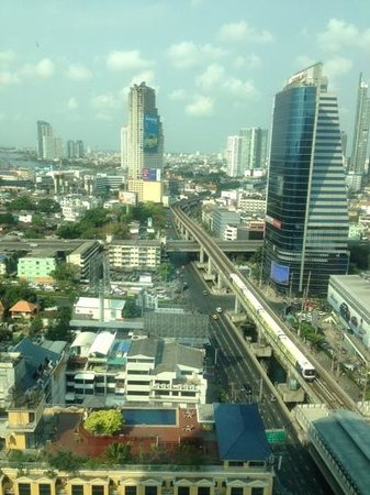 Eastin Grand Hotel Sathorn:                   bkk city view