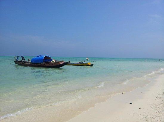 Island Vinnies Tropical Beach Cabana:                   beach