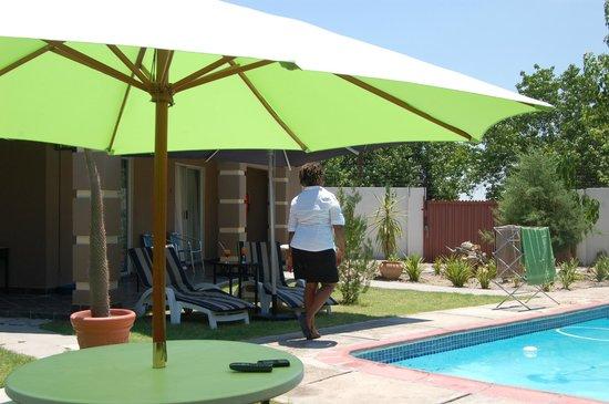 Kamanga Safari Hotel: Hotel & grounds