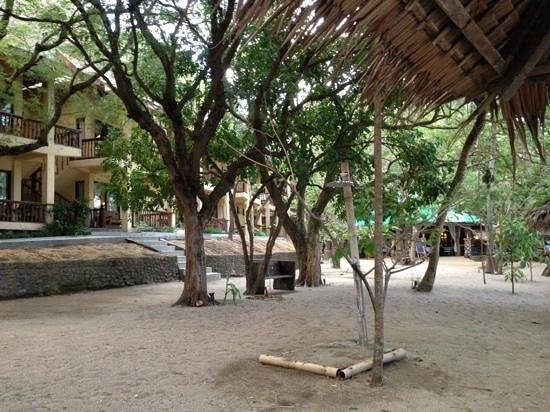 La Luz Beach Resort & Spa:                   looking back towards the dinning area