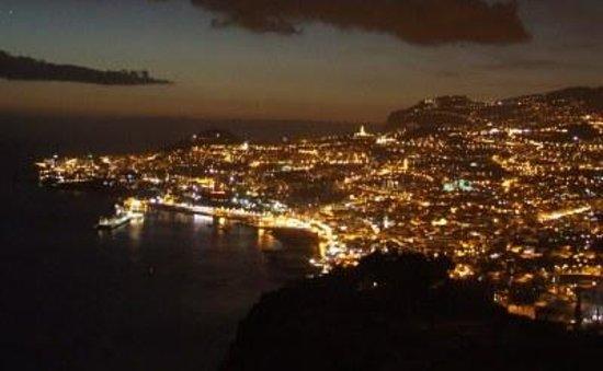 Ocean Gardens:                   Uitzicht op Funchal