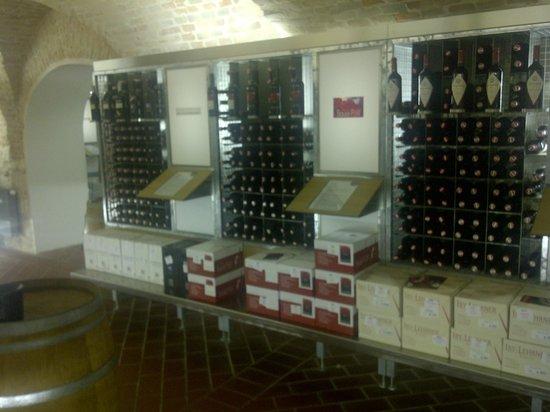 Vinatrium Cellars
