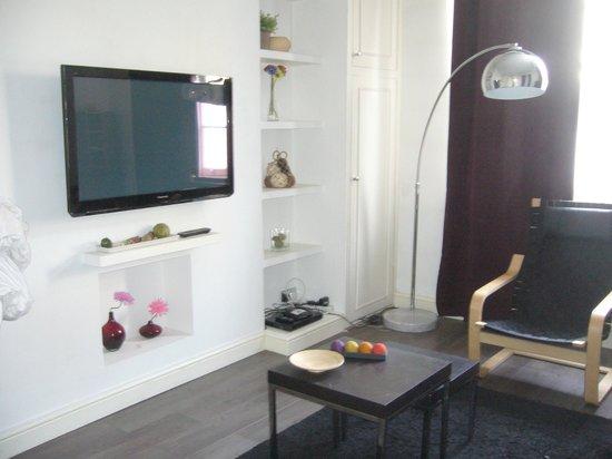 Arlington Road Apartments:                                     soggiorno