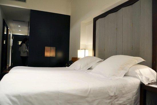โรงแรมพุลลิทเซอร์: Hotel Room