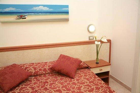 Hotel Ivana :                                     ottime camere +