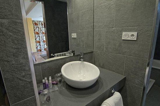 Servigroup Diplomatic: Bathroom  Superior Room