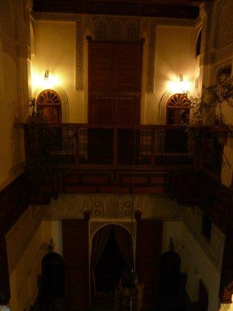 Riad Laayoun:                   La nuit
