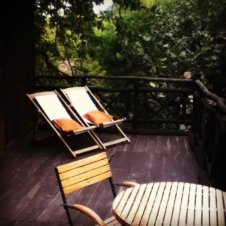 Tree House Hideaway:                                     Sun Deck @ The Mahua Tree House