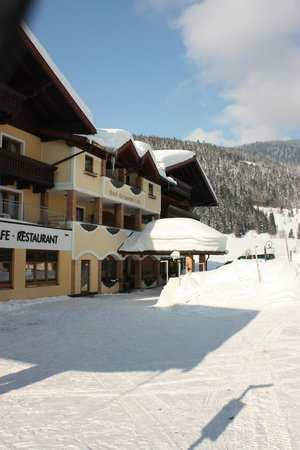 Hotel ...mein Neubergerhof:                   Exterior Shot in Snow