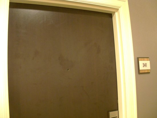 Embassy Suites by Hilton St. Louis - Downtown:                   Door w/ hole - missing peephole
