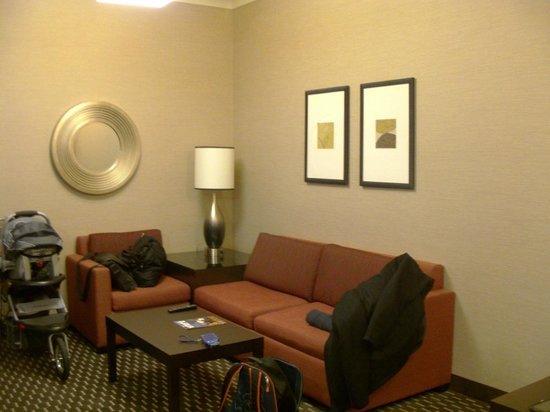 Embassy Suites by Hilton St. Louis - Downtown:                   Room 4