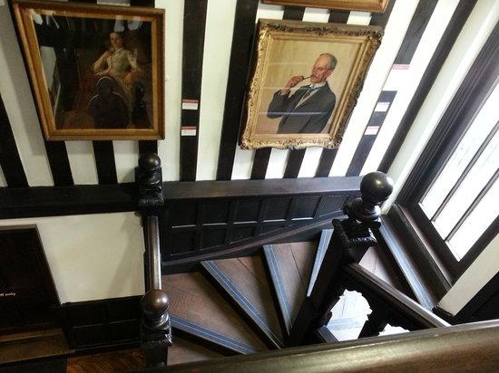 Tudor House and Garden :                   Staircase