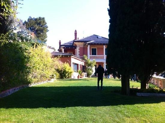 Villa della Pergola:                                     villino