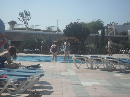 Hotel HL Club Playa Blanca:                   Braving a dip!