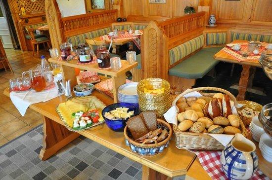 Landhaus Wildschuetz: Frühstücksbuffet