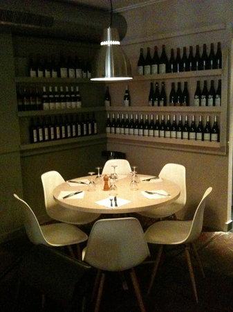Dalva : Table au premier étage