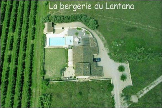 Le Lantana: Vue aérienne de la Bergerie du Lantana