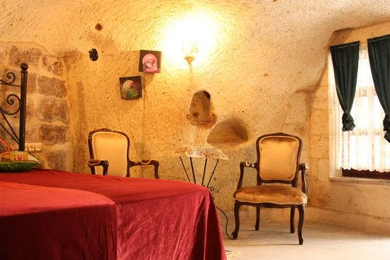 Cave Art Cappadocia : cave