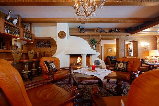 Hotel Jagdhaus Monzabon: Hotelbar