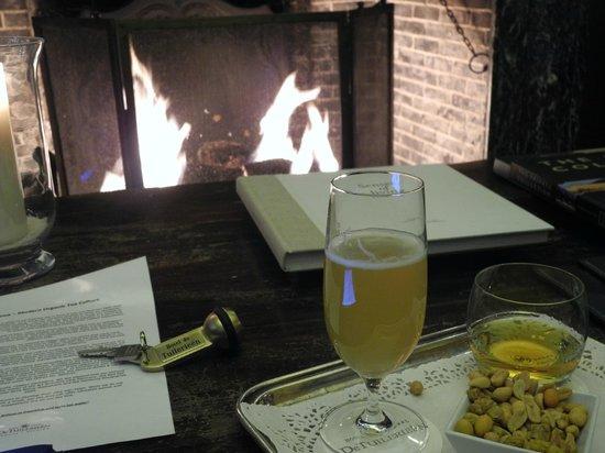 Hotel De Tuilerieen:                   Un moment tranquille dans  le bar de l'hôtel