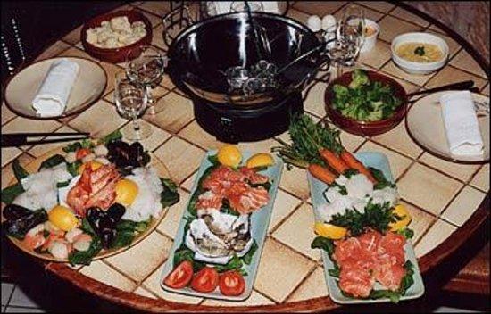 creperie des remparts :                   la FAMEUSE fondue bretonne