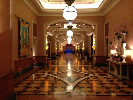 Atlantis, The Palm:                   one of 2 main corridors from the lobby