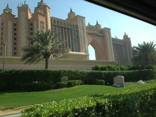 فندق اتلانتس ذا بالم:                   Atlantis                 