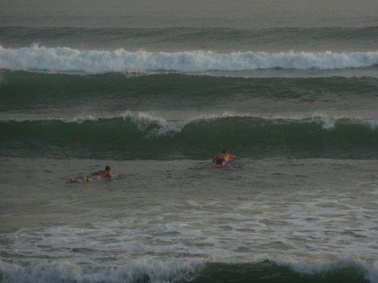 Villa Echo Padi:                   Surf beach down the road
