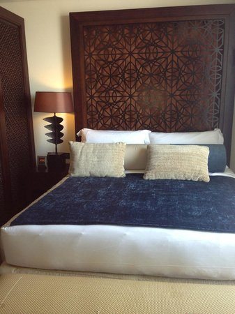 The Address Downtown Dubai:                   Bed