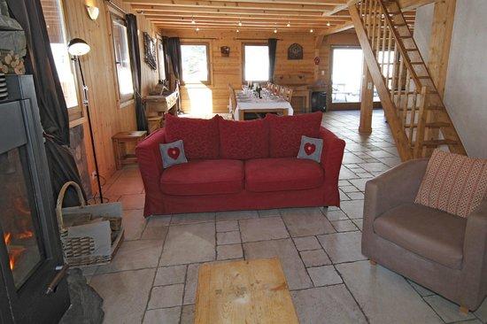 Mountain Mavericks Chalet Le Prele: Le Prele Chalet Central Morzine Living area