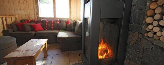 Mountain Mavericks Chalet Le Prele: Le Prele Wood burner Morzine, France