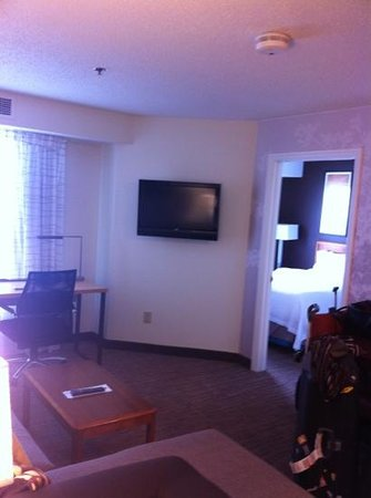 Residence Inn Columbus Easton: lounge / bedroom