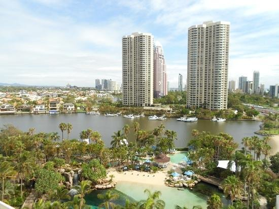 Surfers Paradise Marriott Resort & Spa:                   Vieuw from the eight floor