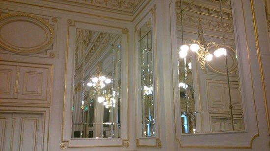 Corinthia Hotel Budapest:                   Corinthia Ballroom