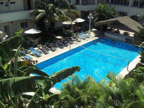 Carmen Inn:                                     view of pool from front door