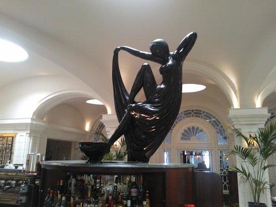 The Phoenicia Malta:                   Bar