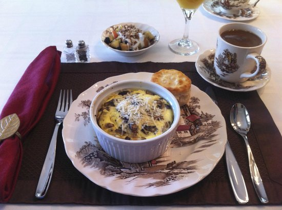 Blackberry Inn at Yosemite:                   Breakfast