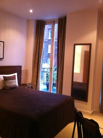 Avni Kensington Hotel:                                     aperçu de la terrasse