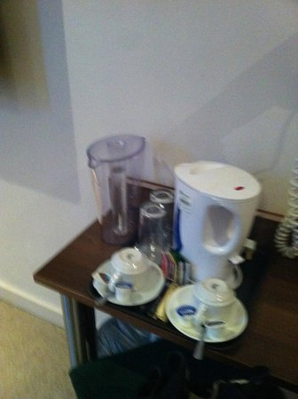 Avni Kensington Hotel:                                     plateau thé/café
