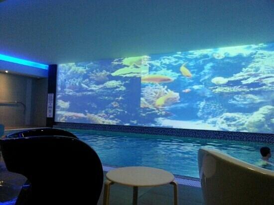 Novotel London Blackfriars:                                     ze piscine chauffée !!!